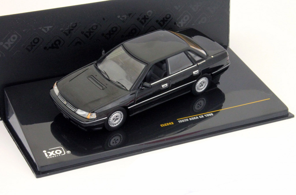 Isuzu Aska CX Baujahr 1990 schwarz 1:43 Ixo